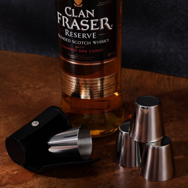 Clan Fraser Reserve whisky + 4 steel hunting cups